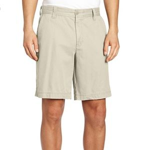 ⭐️2 for $15. NWOT Izod Saltwater Stretch Shorts
